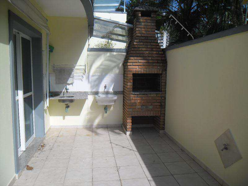 Sobrado em Guarujá, bairro Jardim Enseada