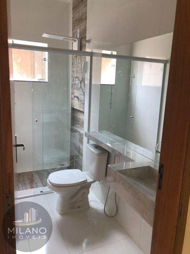 Casa com 3 dorms, Santos Dumont, Três Lagoas - R$ 280 mil, Cod: 380