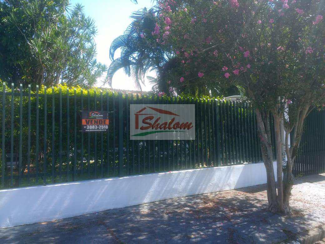 Casa com 3 dorms + Edícula Jardim Brasil, Caraguá- R$ 585 mil