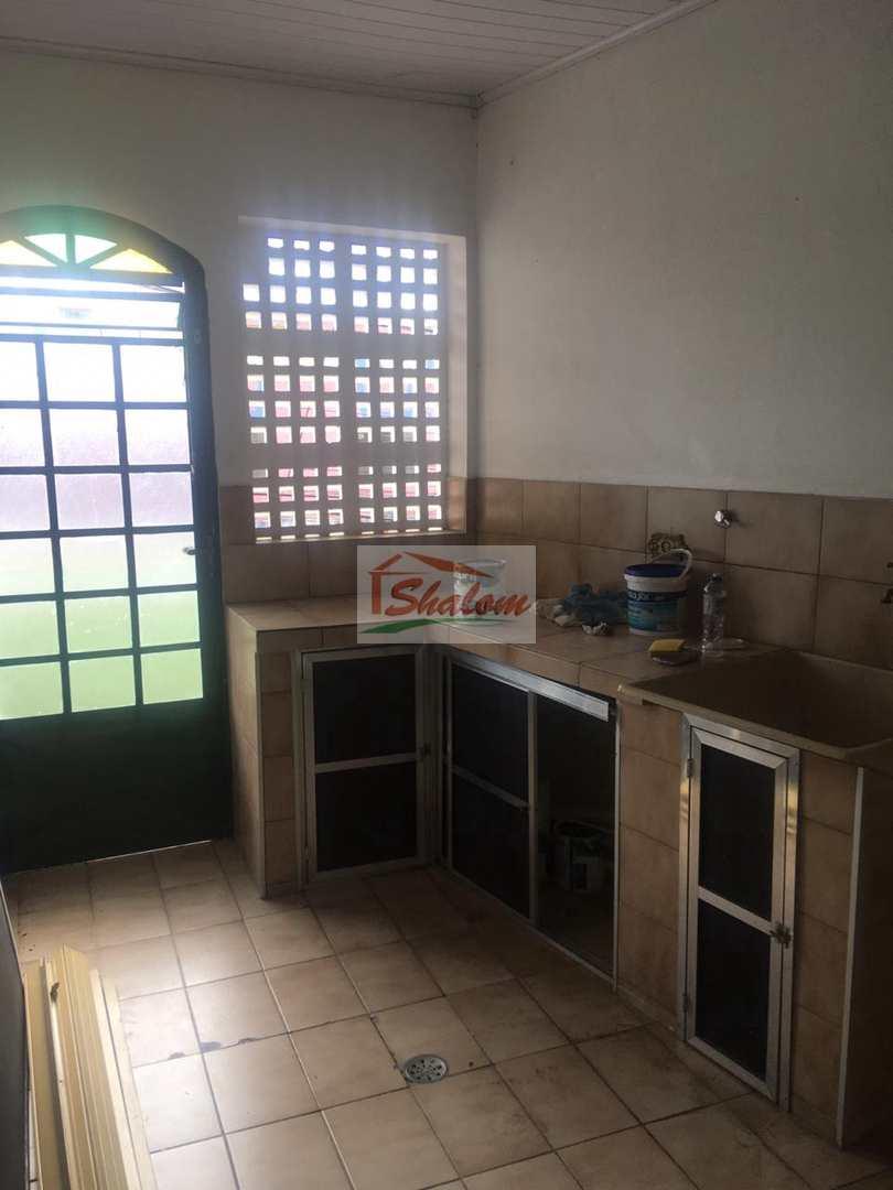 Sobrado com 4 dorms, Centro, Caraguatatuba, Cod: 1241