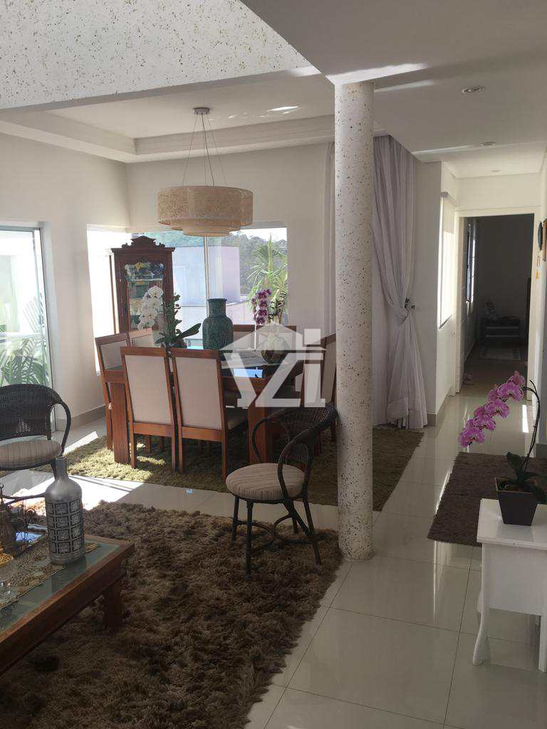 Casa de Condomínio com 3 dorms, Fazenda Rodeio, Mogi das Cruzes - R$ 1.2 mi, Cod: 287