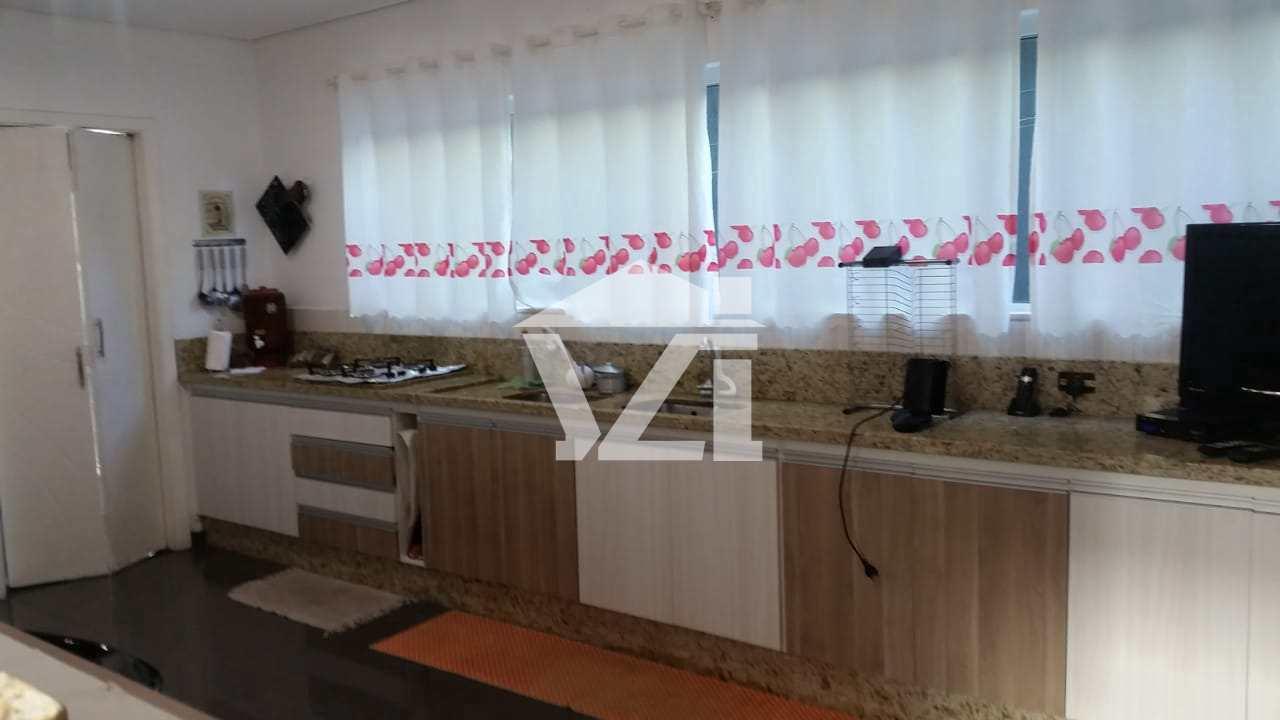 Casa de Condomínio com 3 suítes, Mogi das Cruzes
