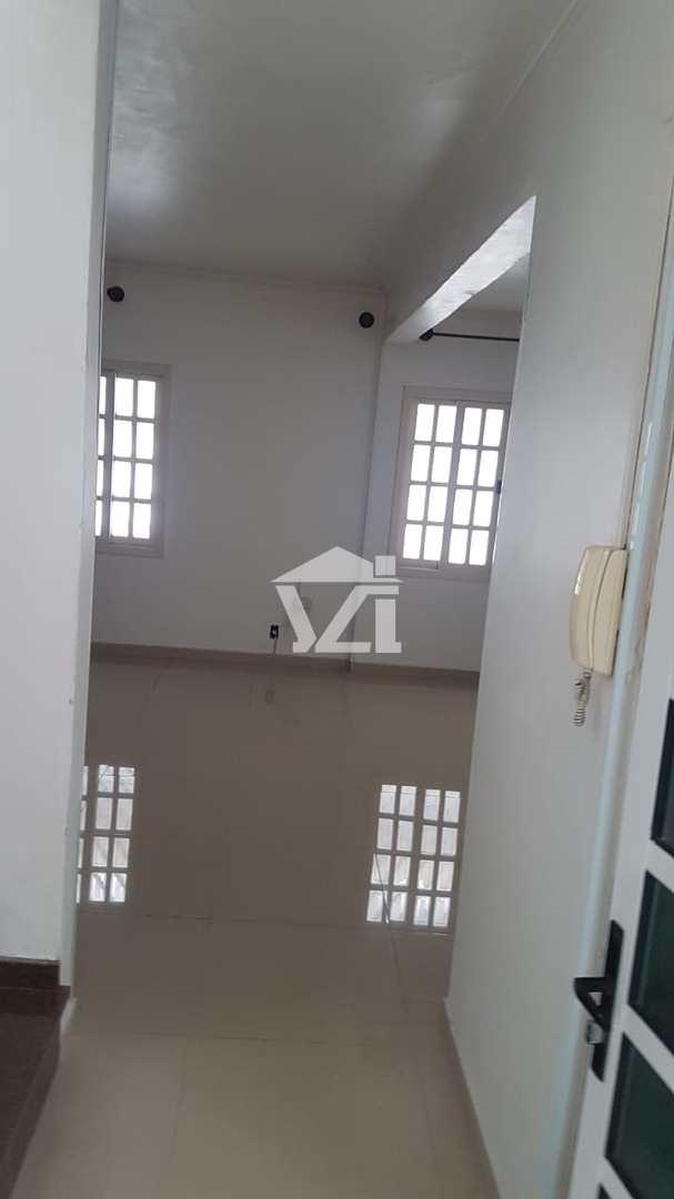 Casa com 3 dorms, Vila Santa Helena, Mogi das Cruzes - R$ 600 mil, Cod: 388