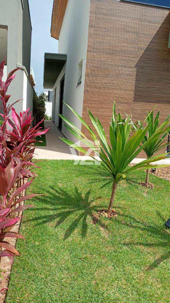 Casa com 3 dorms, Fazenda Rodeio, Mogi das Cruzes - R$ 1 mi, Cod: 427