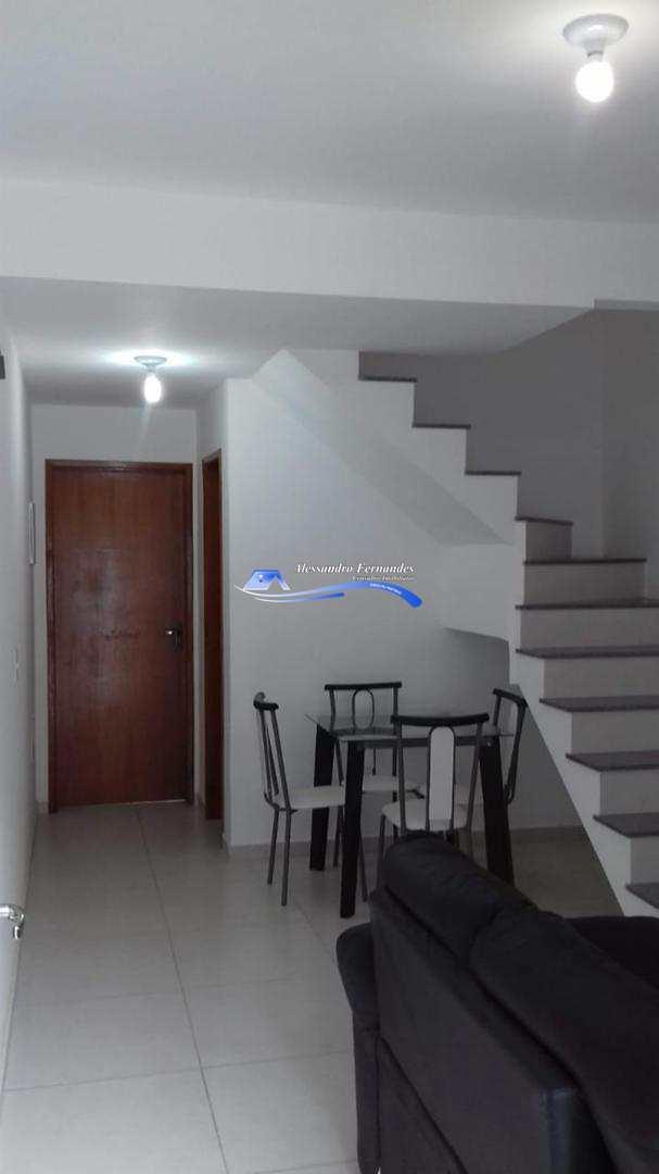 Casa independente com 2 quartos com garagem em Queimados