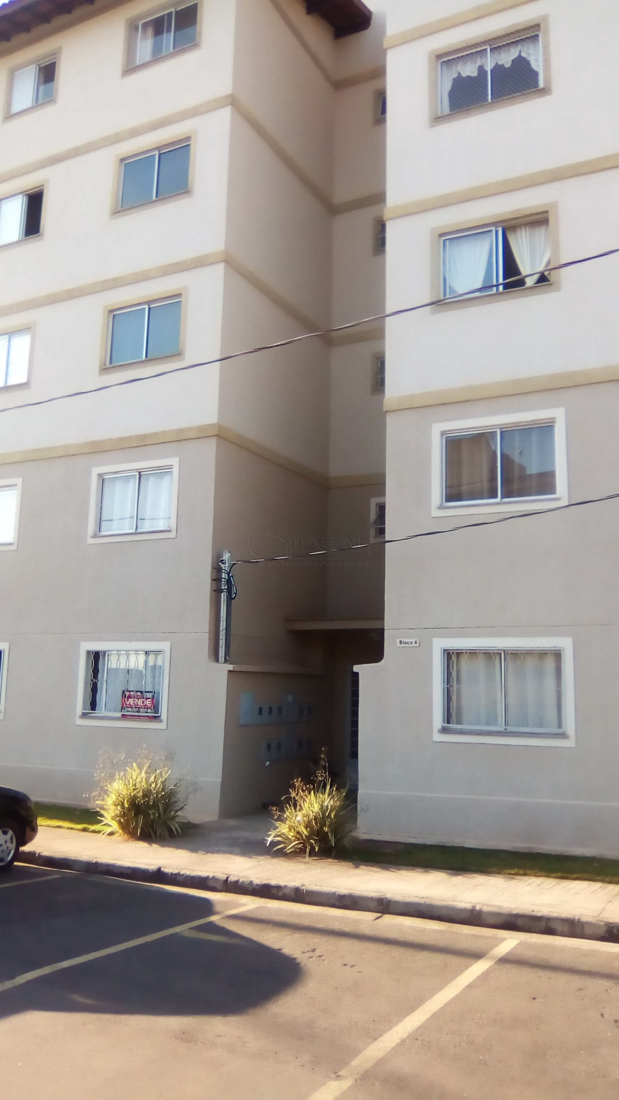 Apartamento em Alfenas, bairro Jardim Elite II