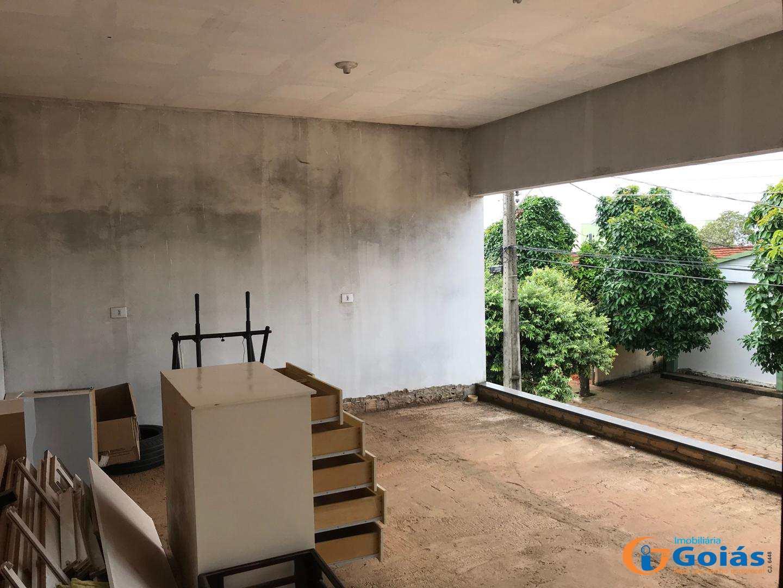 Sobrado com 4 dorms, Setor Central, Vianópolis - R$ 400 mil, Cod: 8944