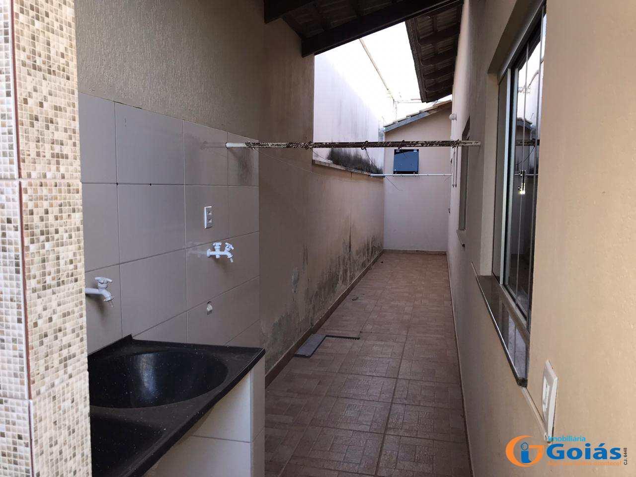 Casa com 3 dorms, Michelle, Vianópolis - R$ 300 mil, Cod: 8986