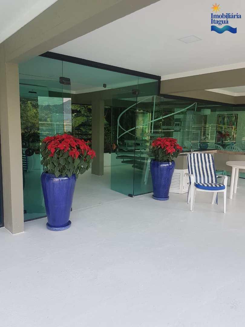 Casa com 4 dorms, Praia Vermelha Sul, Ubatuba - R$ 5 mi, Cod: CA855