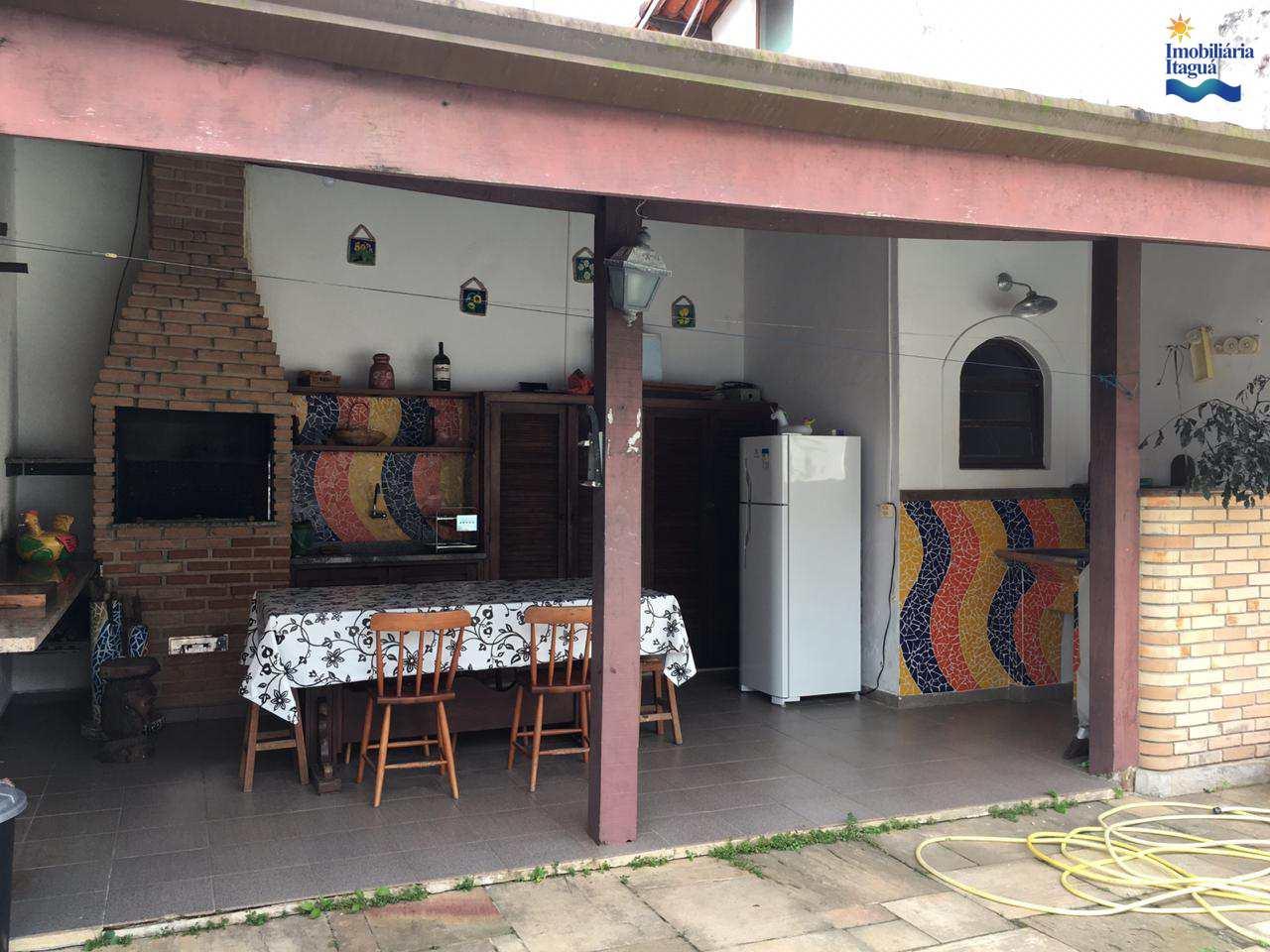 Casa com 3 dorms, Parque Vivamar, Ubatuba - R$ 680 mil, Cod: CA1010