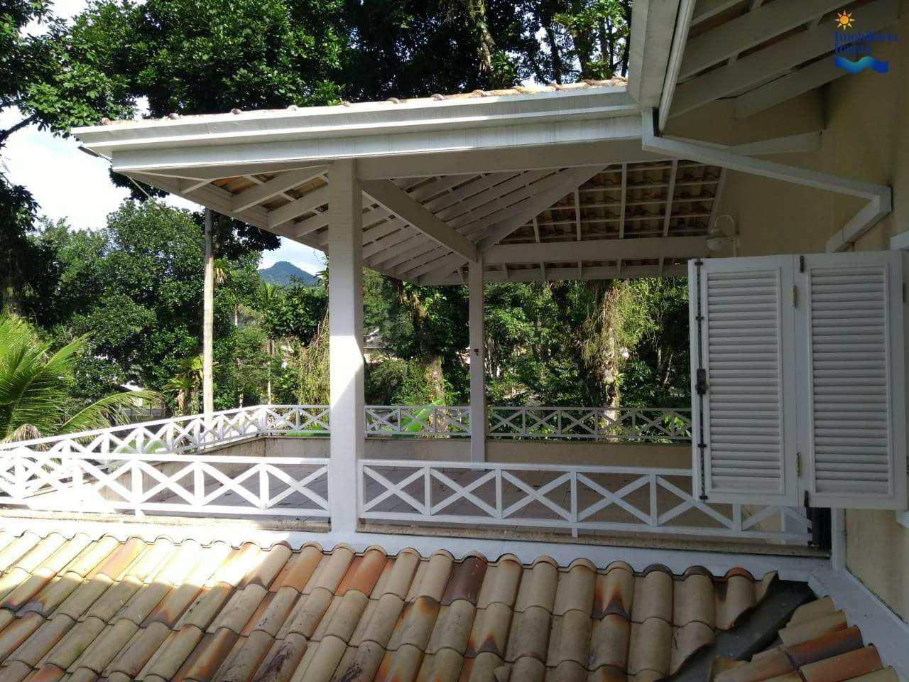 Casa de Condomínio com 2 suítes, Horto Florestal
