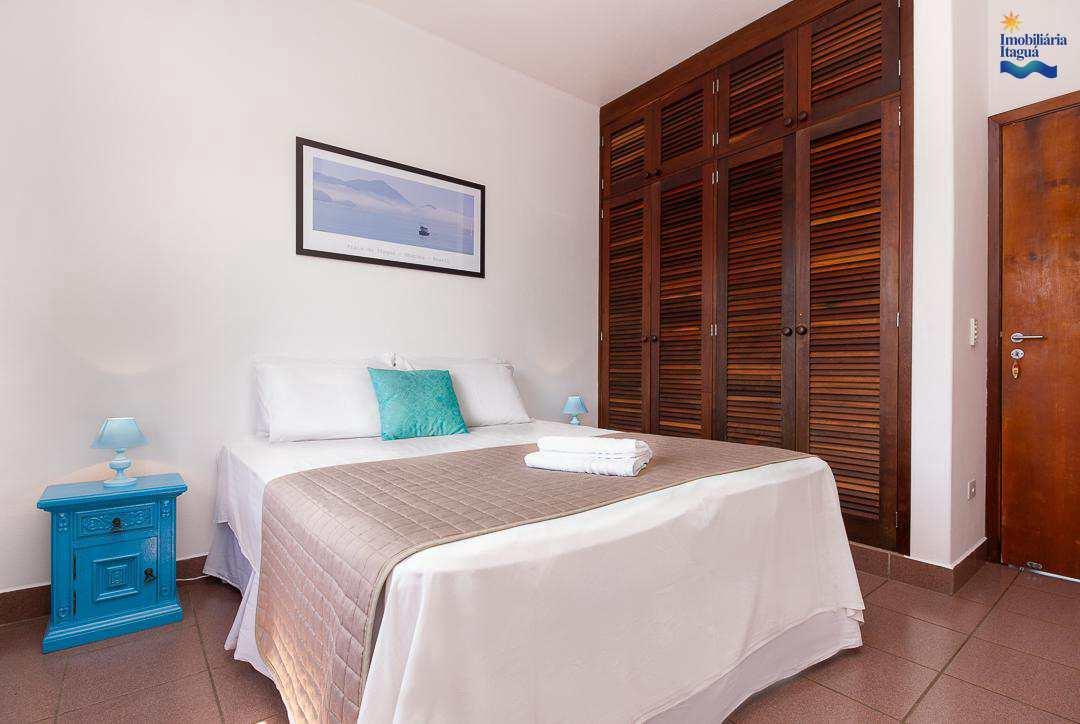 Casa com 7 dorms, Praia Grande, Ubatuba - R$ 1.5 mi, Cod: CA1174