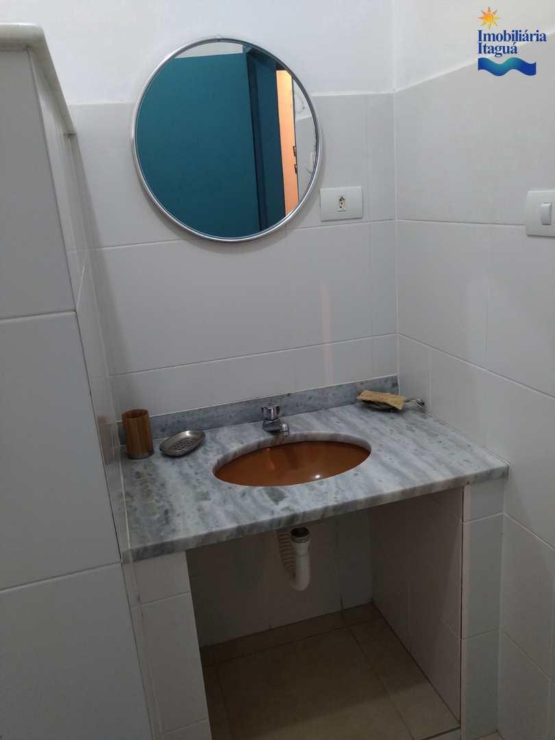 Casa com 4 dorms, Centro, Ubatuba - R$ 680 mil, Cod: ca1225