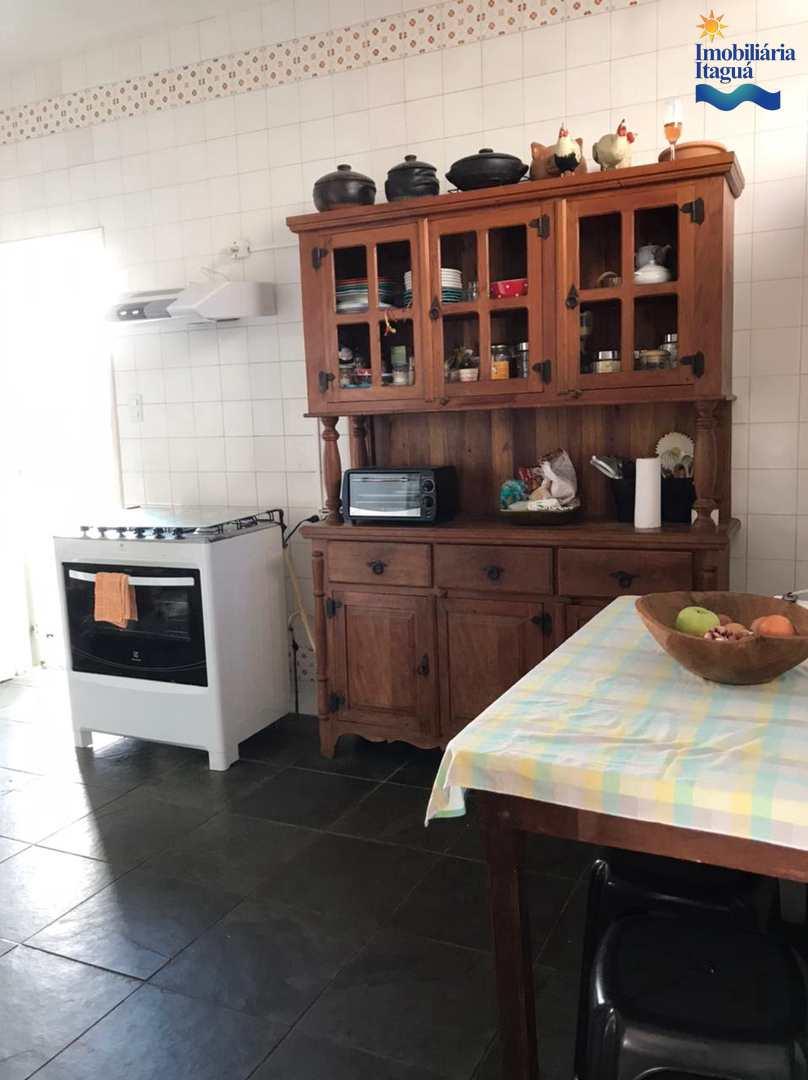 Casa com 3 dorms, Itagua, Ubatuba - R$ 980 mil, Cod: CA1251