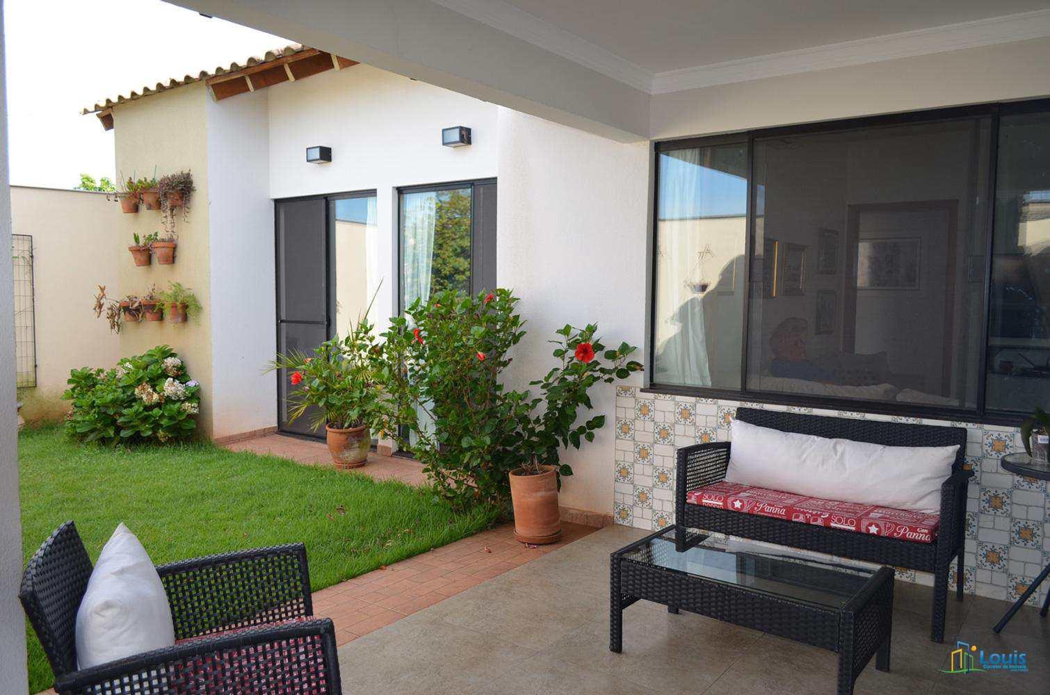 Casa 150m2, Alto padrão - Cond Royal Boulevard - Ibiporã/PR