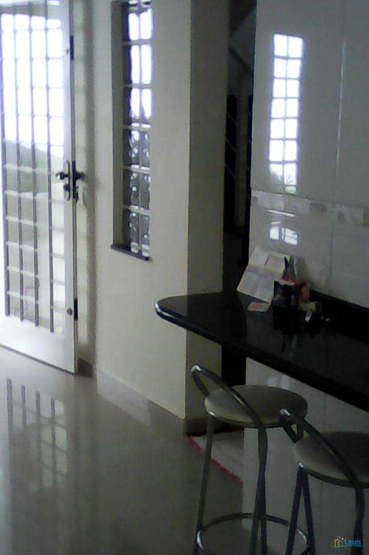 Sobrado 245m², 3 quartos, Cj São Francisco, Ibiporã/PR