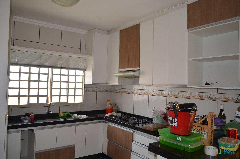 Casa com 3 dorms, Vila Romana, Ibiporã - R$ 380 mil, Cod: 280