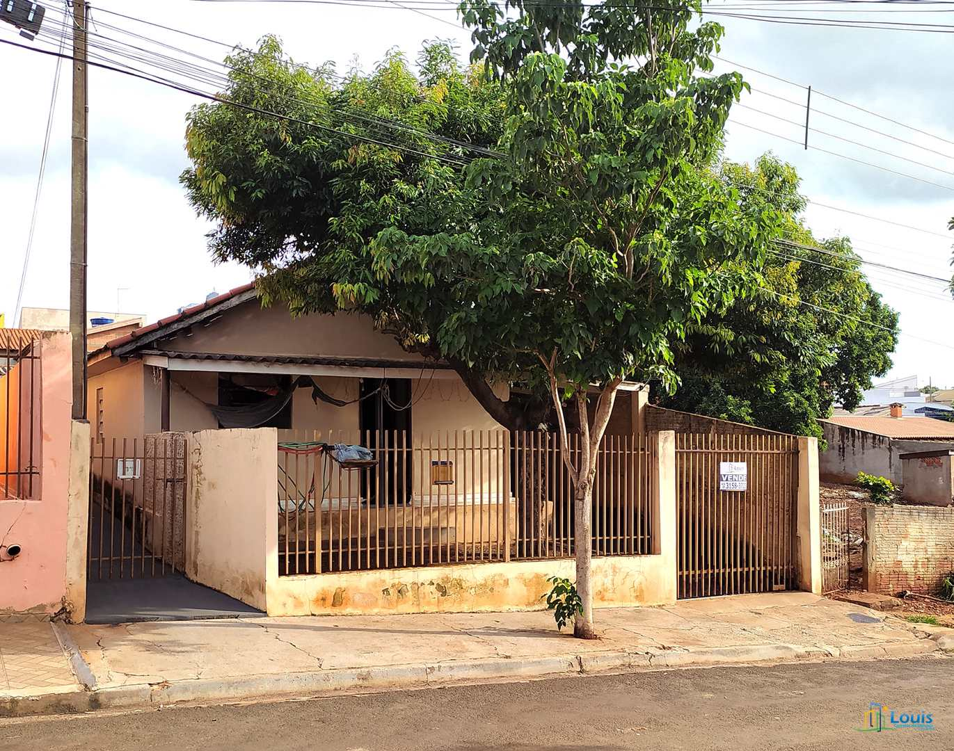 Casa c/ edícula, 154m² em Ibiporã. Excelente Localização.