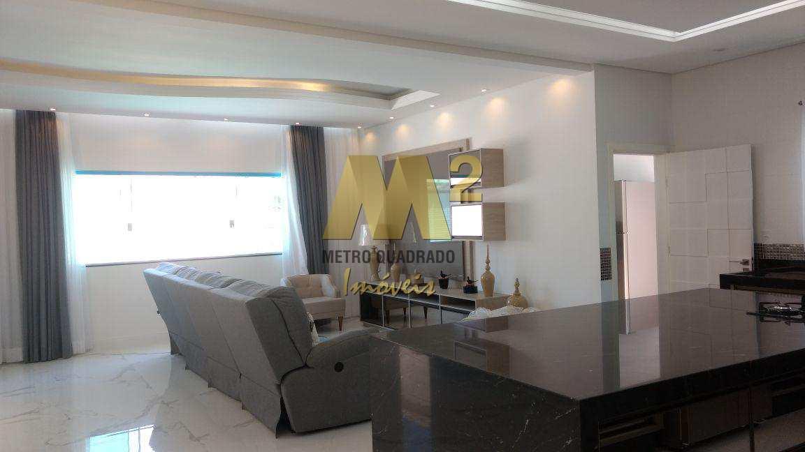Casa de 3 dormitórios à venda. Canto do Forte, Praia Grande.