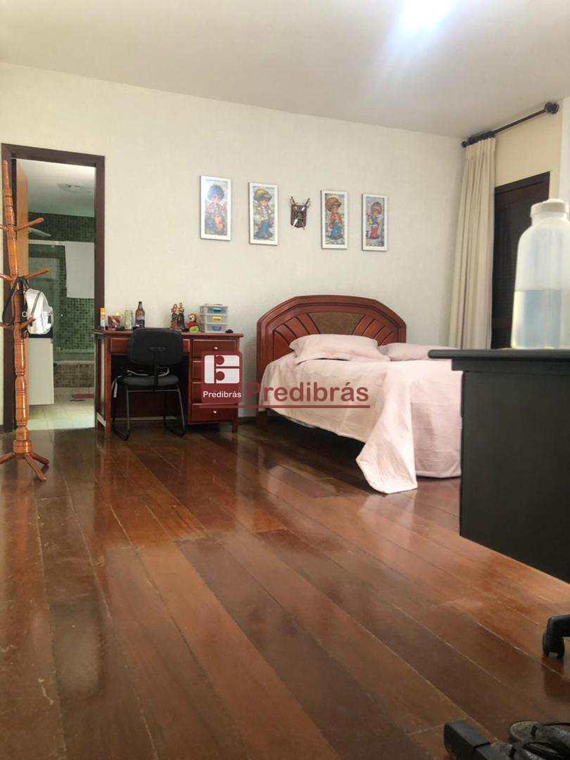 Casa com 6 dorms, Mangabeiras, Belo Horizonte - R$ 1.8 mi, Cod: 438