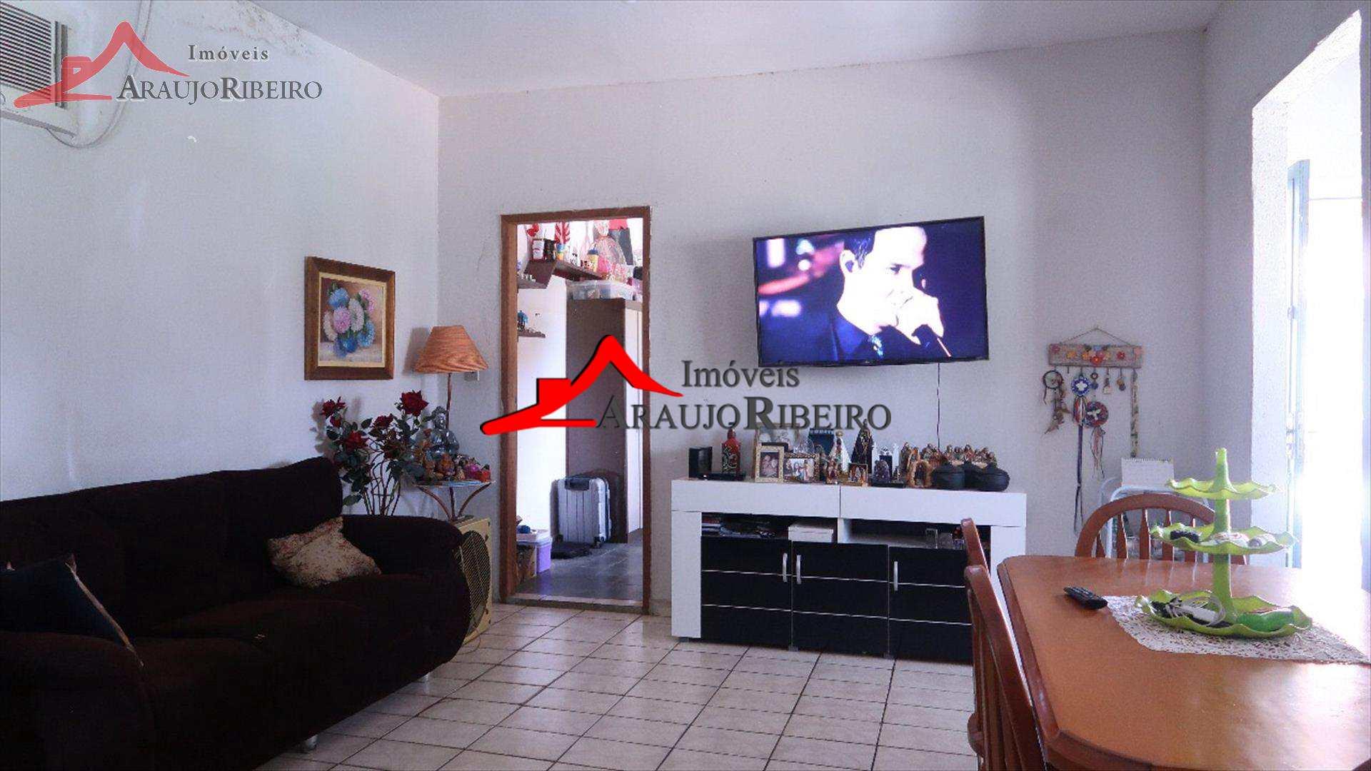 Casa com 3 dorms, Piracangaguá, Taubaté - R$ 480 mil, Cod: 8831