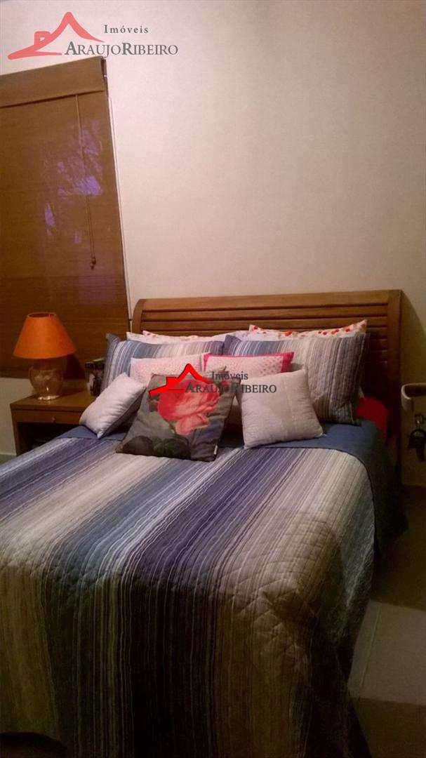 Apartamento com 2 dorms, Parque São Luís, Taubaté - R$ 180 mil, Cod: 3038
