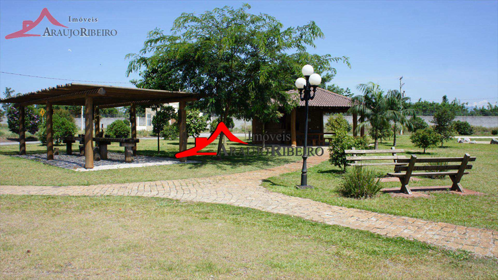Casa com 3 dorms no Condomínio Residencial Tecoara - Taubaté