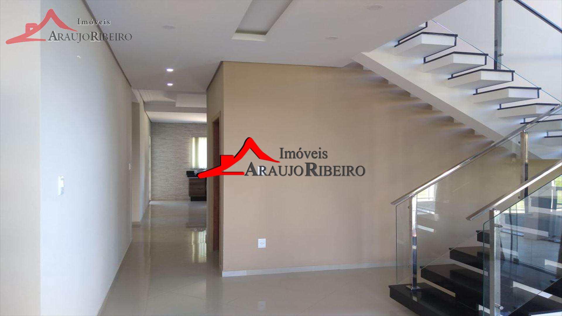 Casa com 3 dorms, Centro, Piquete - R$ 850 mil, Cod: 1487