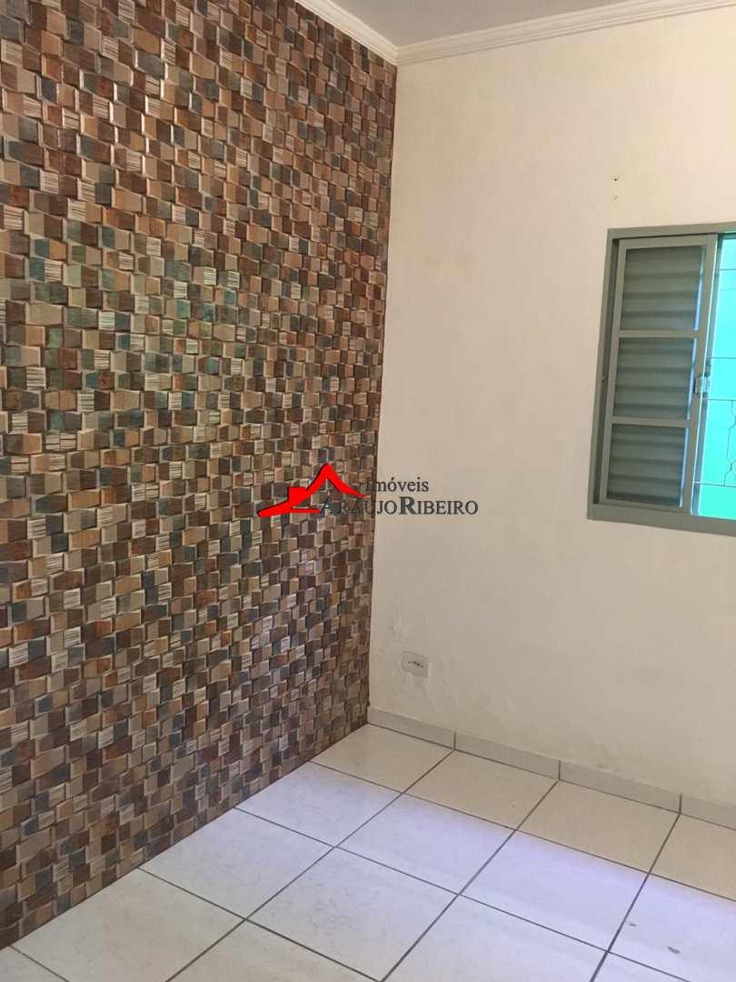 Casa com 3 dorms, Jardim Califórnia, Taubaté - R$ 320 mil, Cod: 60177