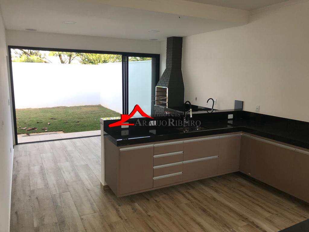 Casa de Condomínio com 3 dorms, Condomínio Campos do Conde Louvre, Tremembé - R$ 570 mil, Cod: 60211