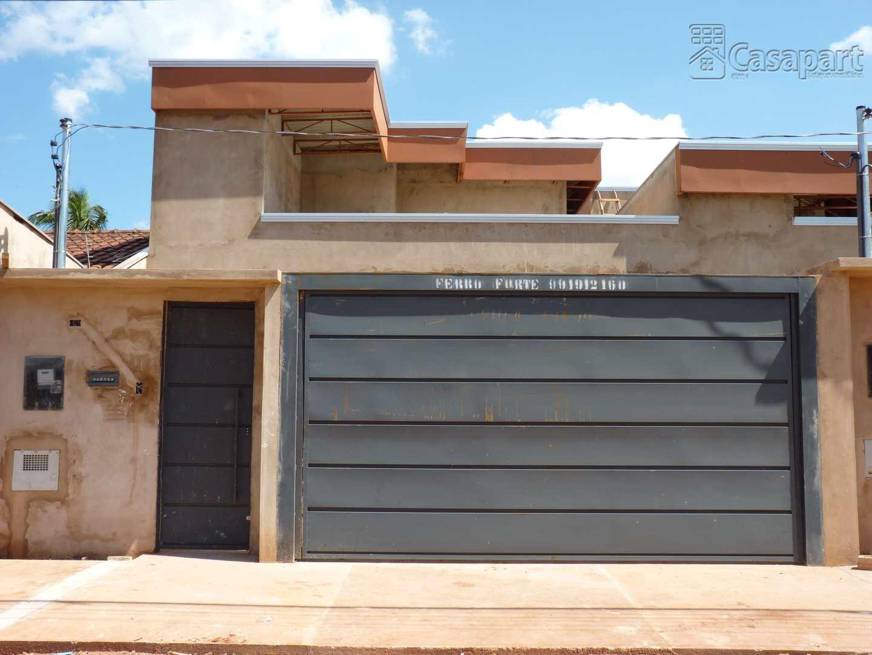 Casa com 3 dorms, Parque Residencial Rita Vieira, Campo Grande - R$ 570 mil, Cod: 793