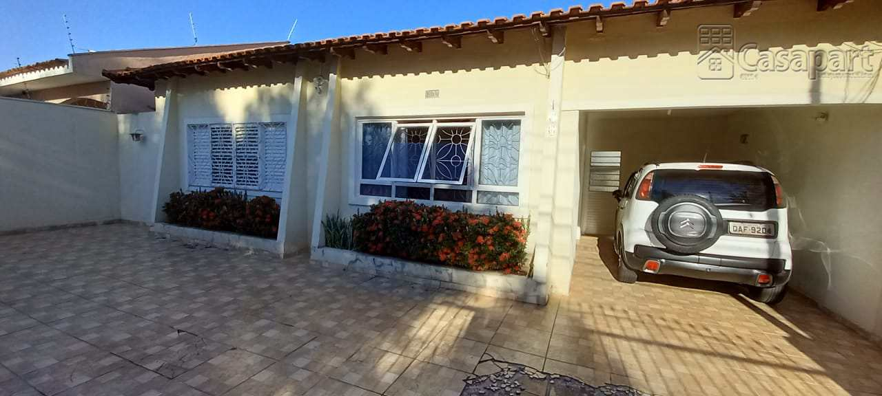 Casa com 8 quartos - Vila Rica - Campo Grande MS