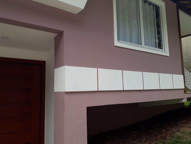 Casa com 4 dorms, Suíço, Nova Friburgo - R$ 1.2 mi, Cod: 366