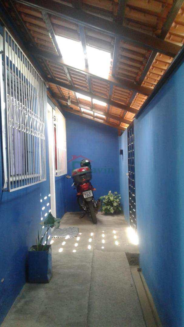 Casa com 3 dorms, Fábricas, São João Del Rei - R$ 300 mil, Cod: 238