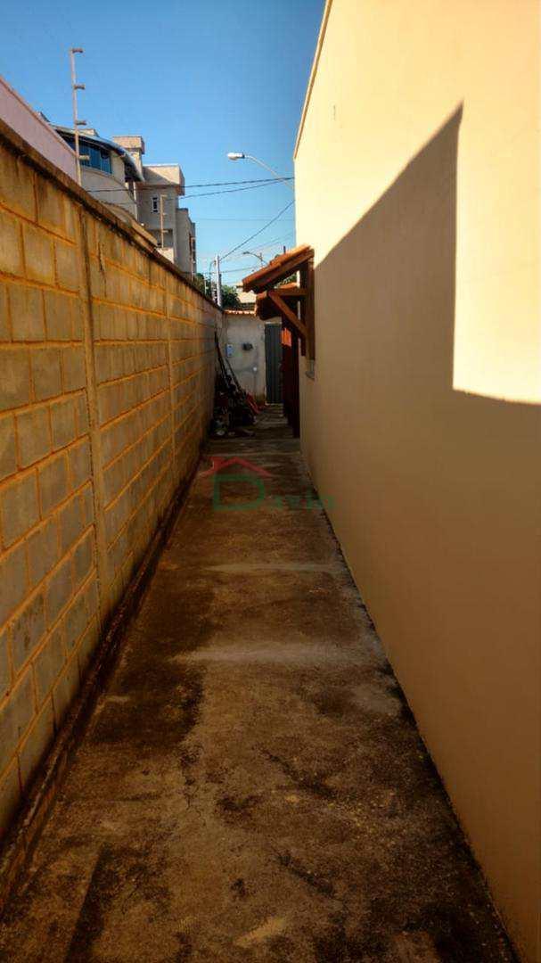Casa com 2 dorms, Bonfim, São João Del Rei - R$ 240 mil, Cod: 239