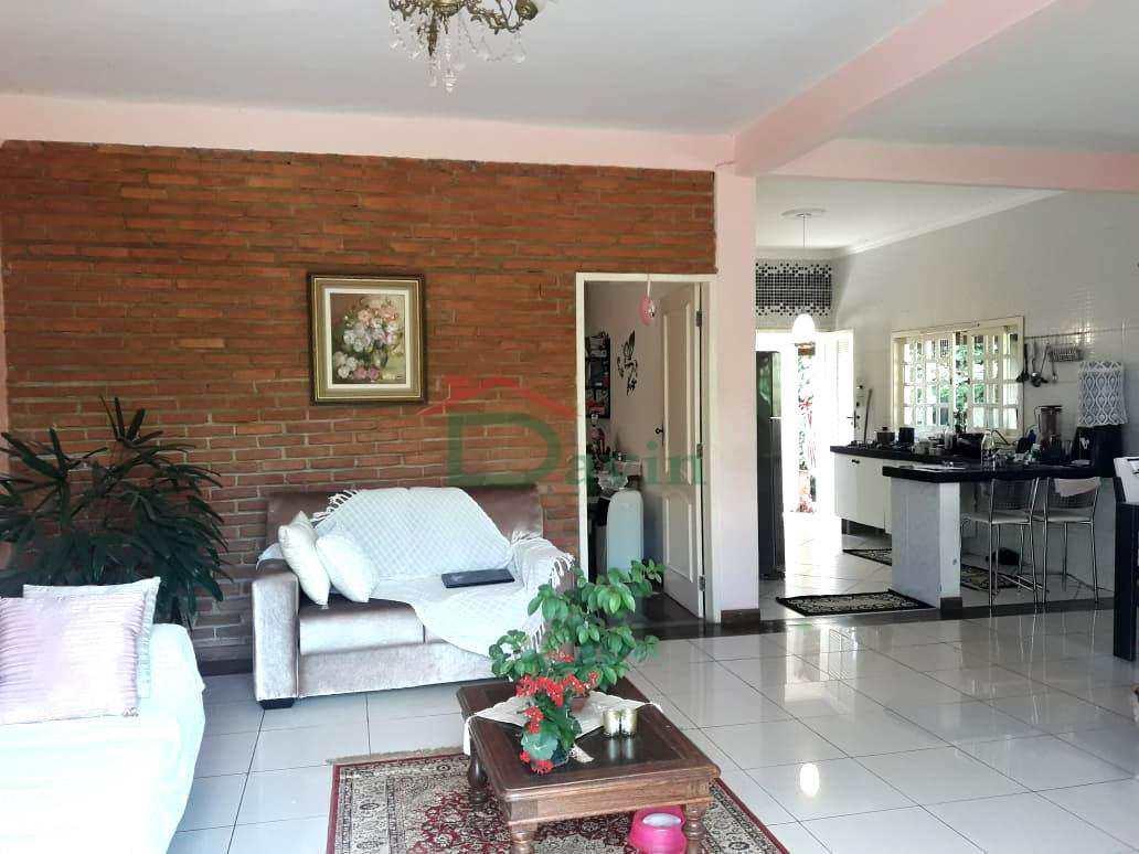 Casa na Colônia do Marçal - São Pedro - Total 540m² R$450mil
