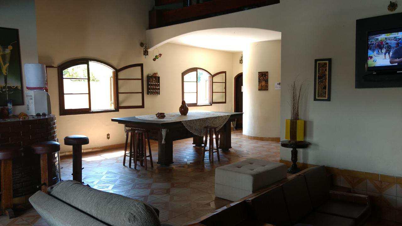 Belo imóvel no Cibratel, com piscina, casa com 250m² construído