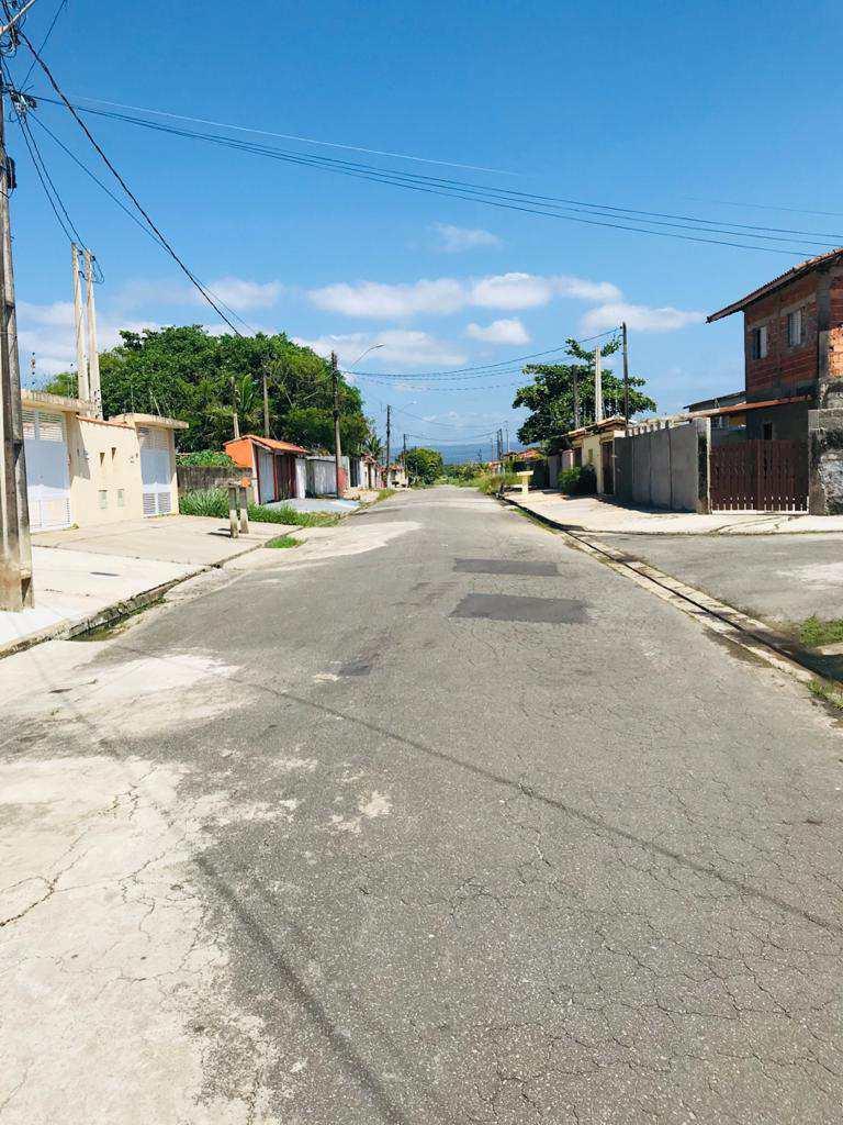 LINDO IMÓVEL Á 500 MTS DA PRAIA, CASA DE ALTO PADRÃO!!