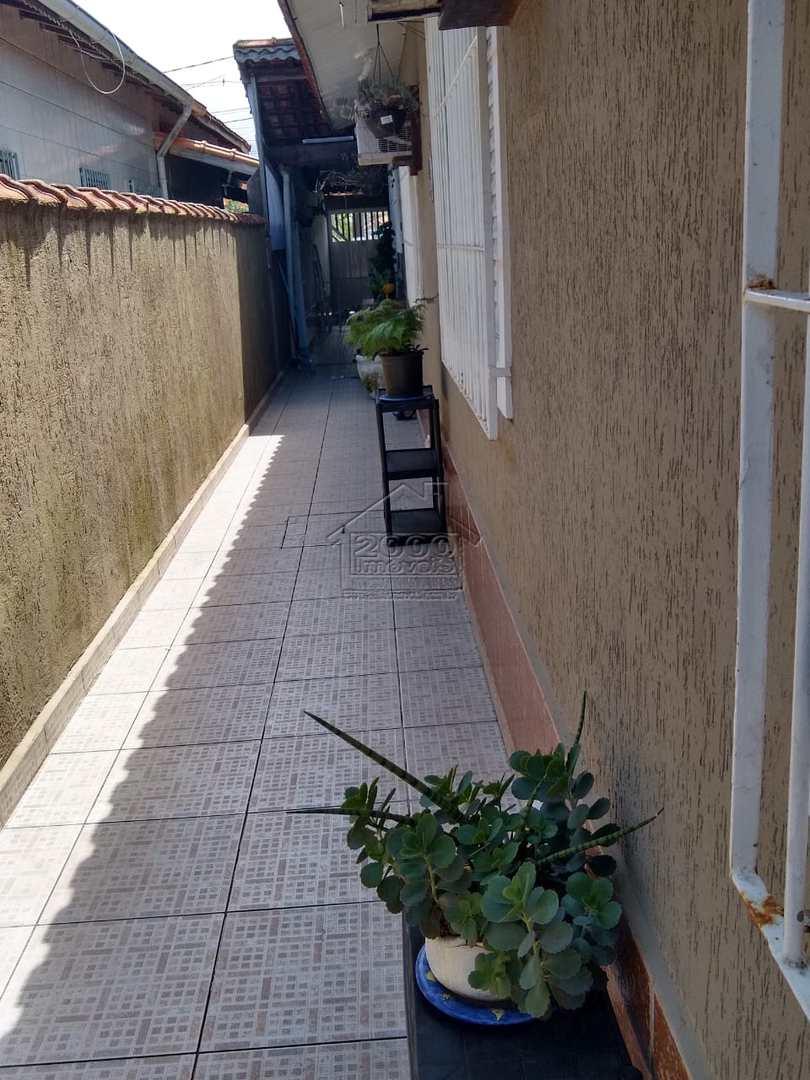 Casa com 3 dorms, Maracanã, Praia Grande - R$ 350 mil, Cod: 2335