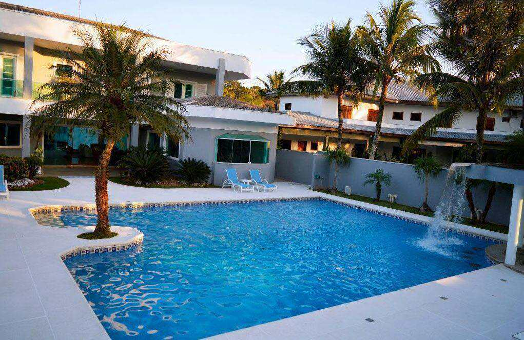 Casa com 6 dorms, Acapulco, Guarujá - R$ 5.8 mi, Cod: 4152