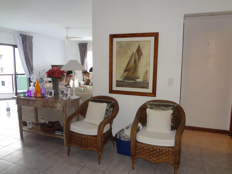 Apartamento com 3 dorms, Barra Funda, Guarujá, 150m² - Codigo: 4429