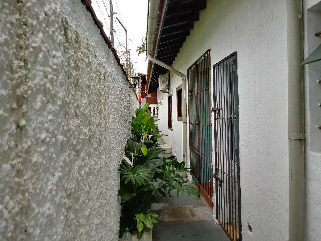 Casa com 5 dorms, Enseada, Guarujá - R$ 790 mil, Cod: 4809