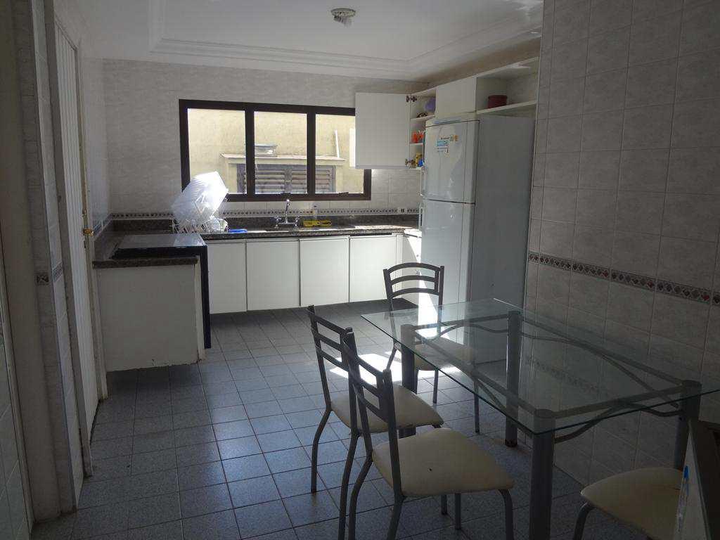 Casa com 6 dorms, Jardim Virgínia, Guarujá - R$ 900 mil, Cod: 4879