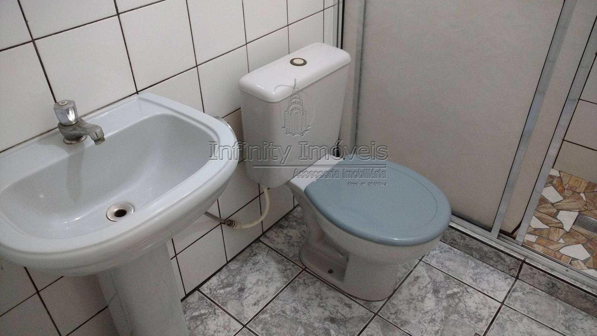 24 - Banheiro serviço 02