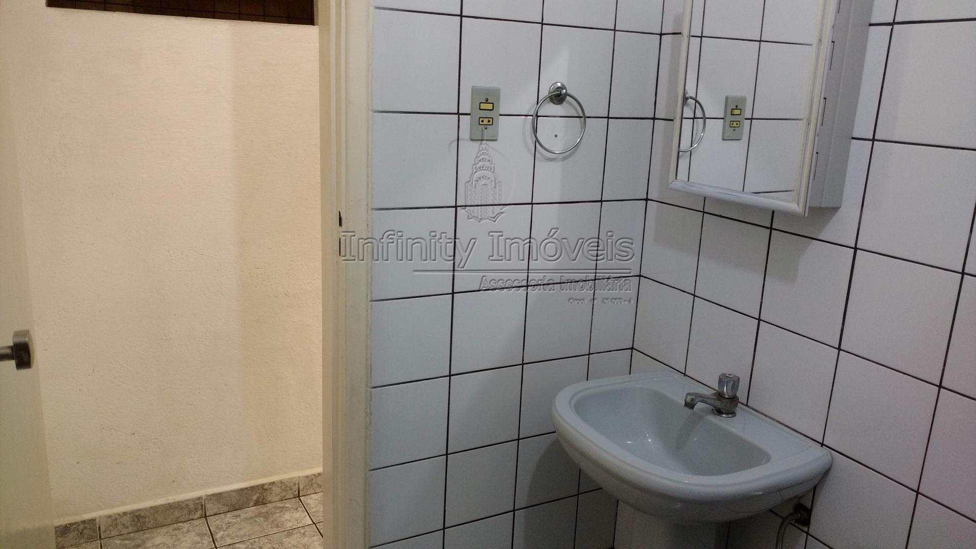 26 - Banheiro serviço 04