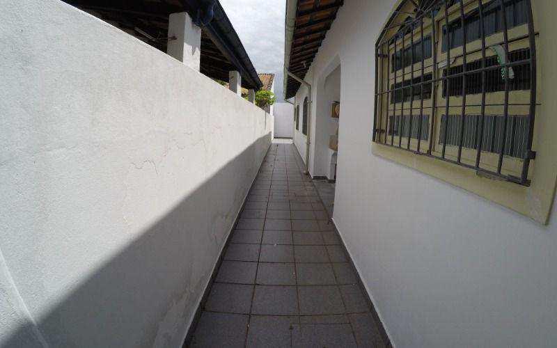 Casa de 2 Dormitórios à Venda na Praia Grande - Bairro V. Caiçara