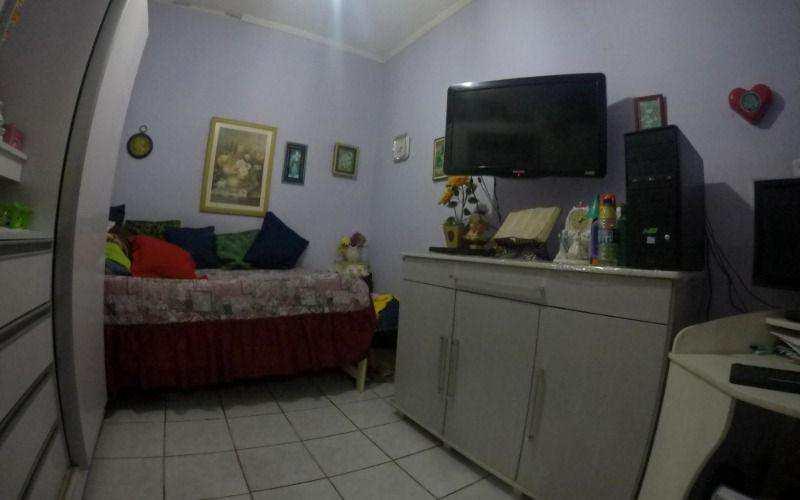 Casa com 4 dorms, Antártica, Praia Grande - R$ 300 mil, Cod: 4734
