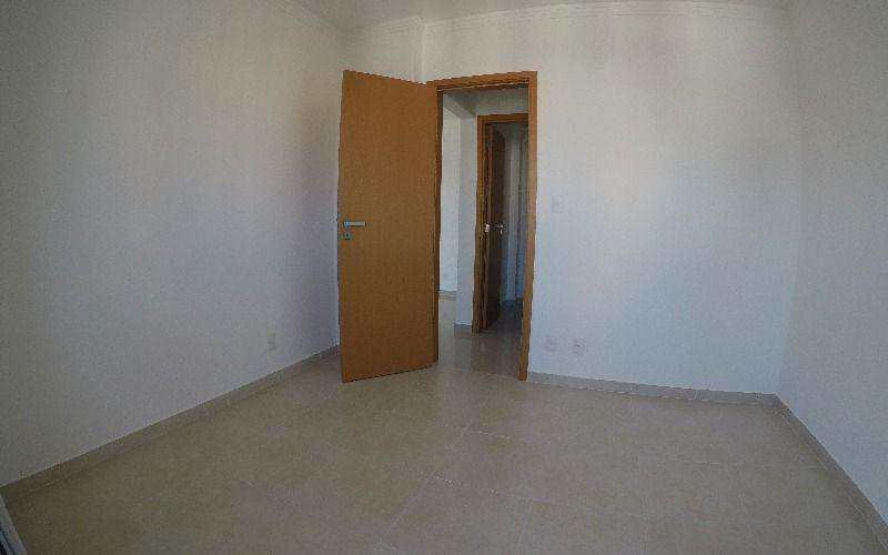 Apartamento duas suítes alto padrão no Canto do Forte