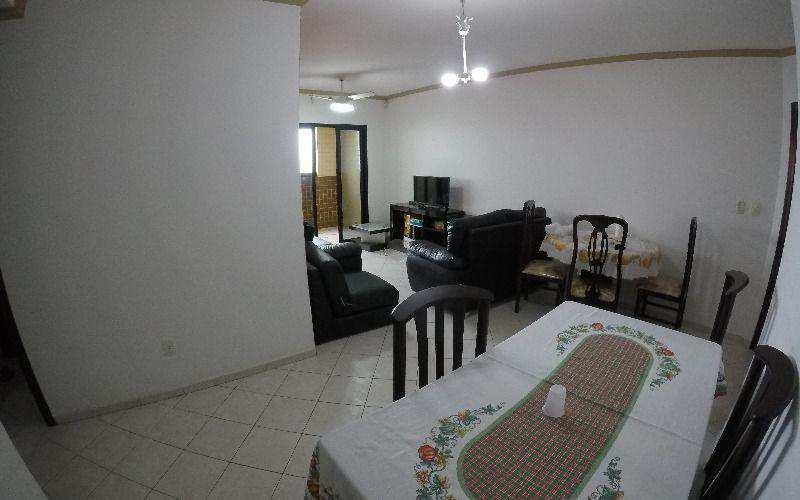 Apartamento três dormitórios frente para o mar na Vila Guilhermina