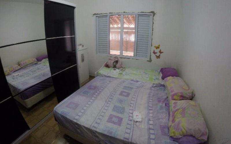 Casa com 2 dorms, Maracanã, Praia Grande - R$ 280 mil, Cod: 3702